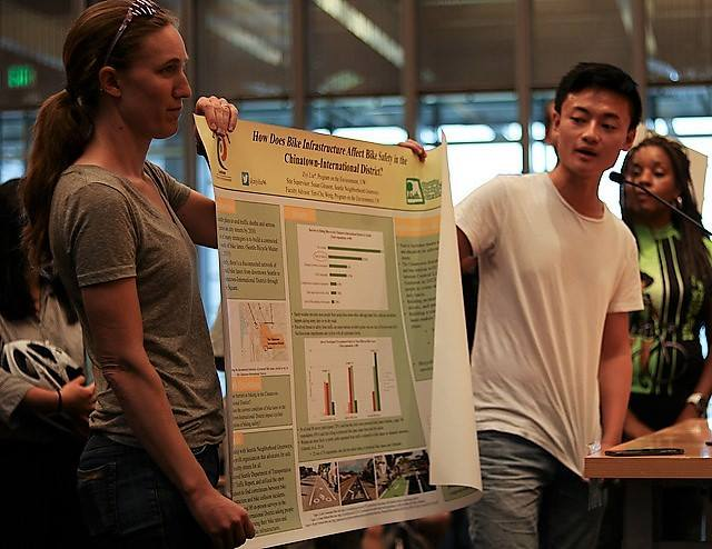 Ziyi Liu presents research on feelings towards bike routes in the International District.
