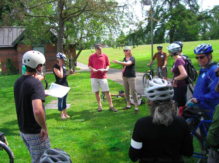 Ballard Greenways leaders take Councilmember Mike O'Brien on carefully orchestrated policy ride @SNG photo